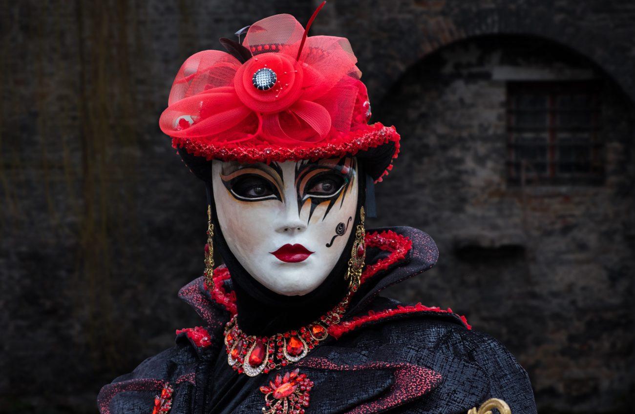 игра Марина Мостовая маска роль саморазвитие, Маски, psychologies.today