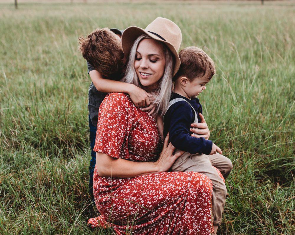 воспитание дети детская психология мама Оксана Грачева поведение, Как маме определить нормы поведения ребенка в обществе?  И как донести их до ребенка?, psychologies.today