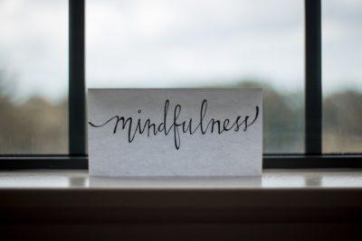 Даже краткая практика осознанности может улучшить ваше эмоциональное состояние